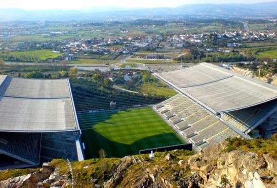 Stadion w Bradze