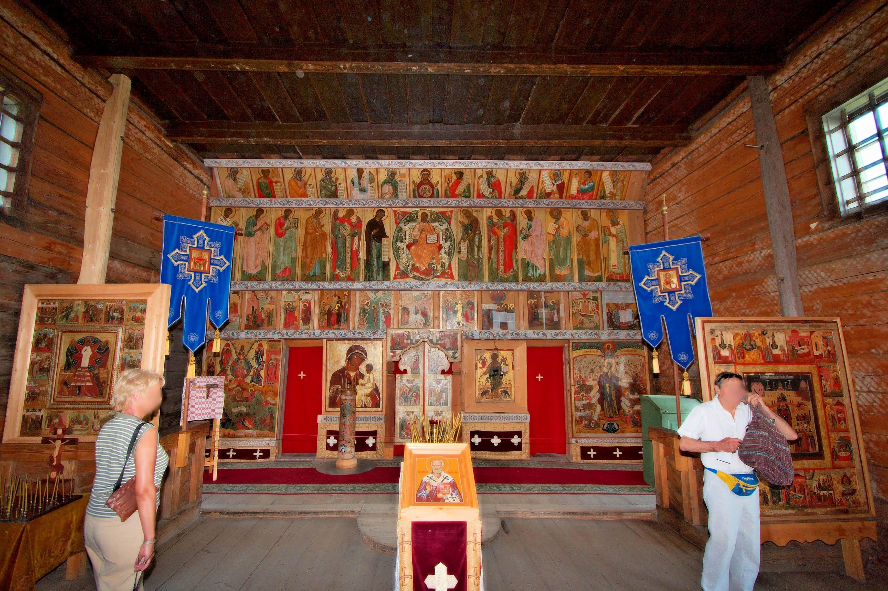 Największa drewniana cerkiew świata wewnatrz