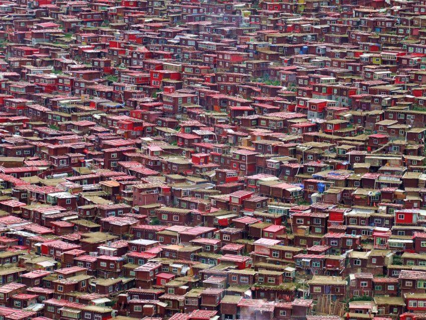 domy mnichów w larung gar - akademia buddyjska