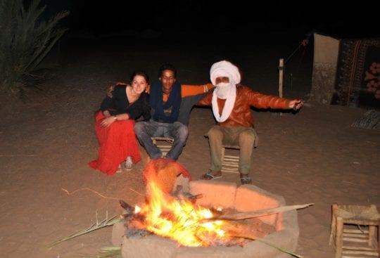 Maroko tubylcy marokańczycy ognisko