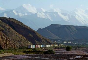 Kirgistan chiny kolejka na granicy