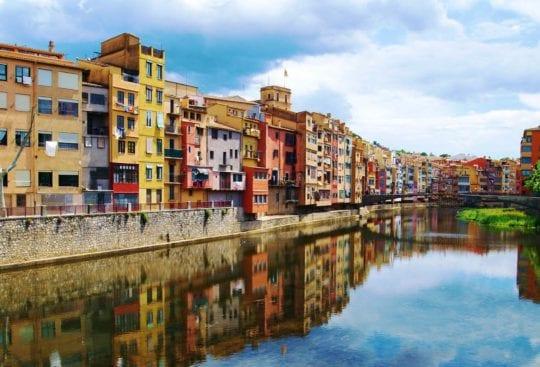 Girona Katalonia domy rzeka
