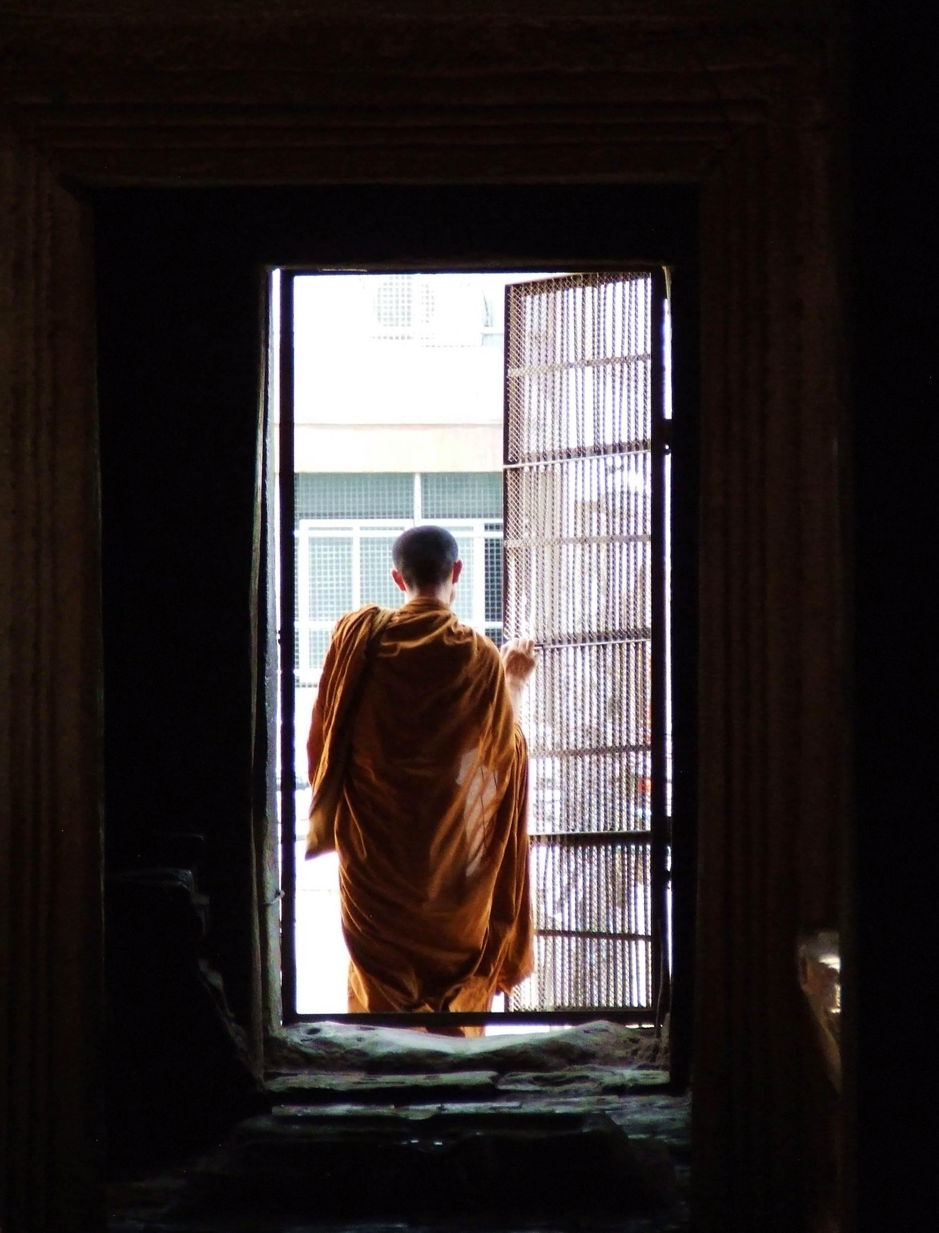 Buddyjski mnich w Prang Sam Yot