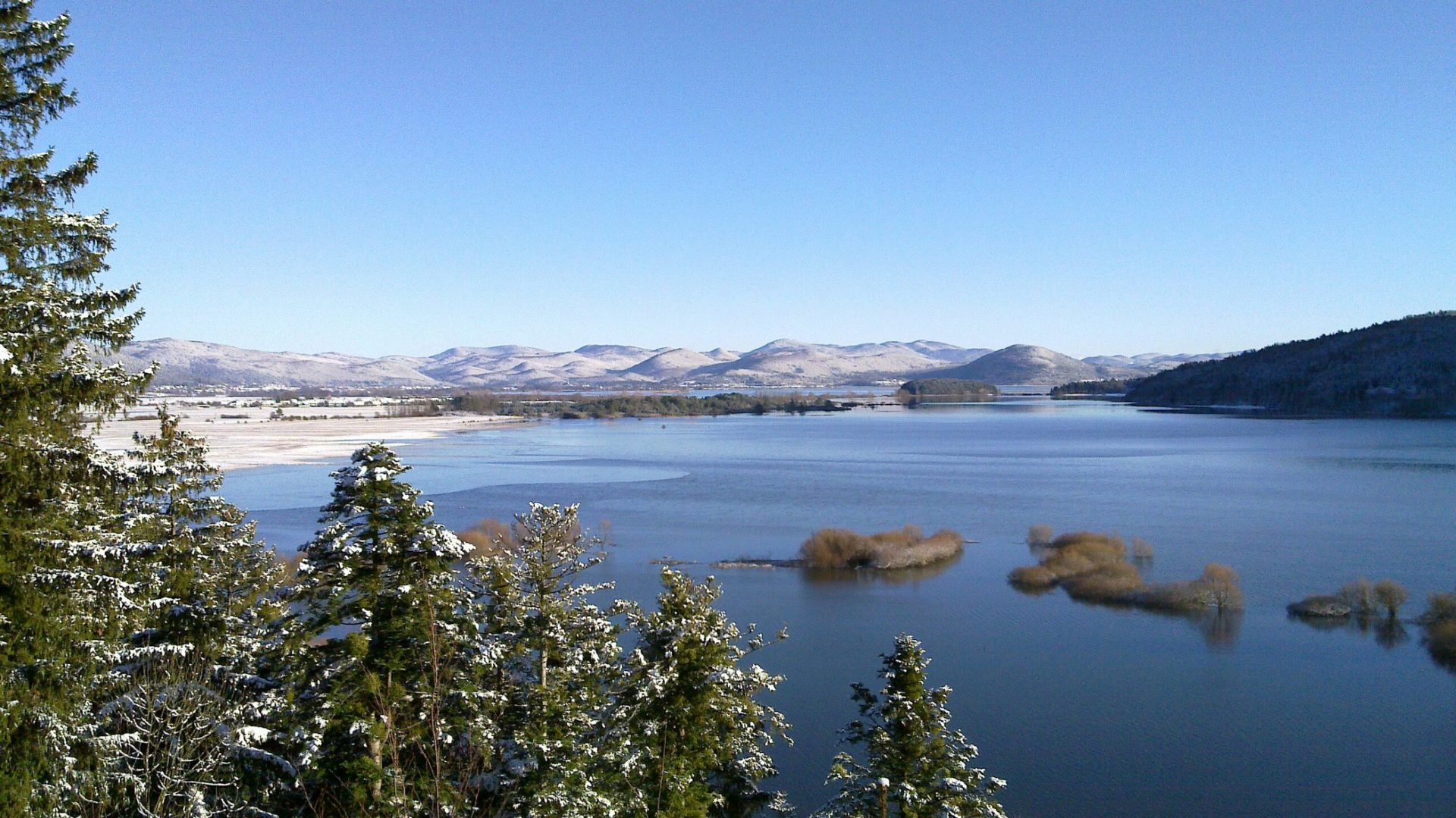 Jezioro Cerknickie zimą