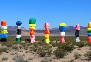 Seven magic mountains w USA