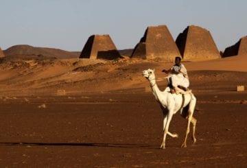 Piramidy Meroe pustynia