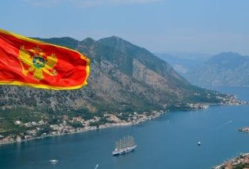 Flaga Czarnogóry w Kotorze