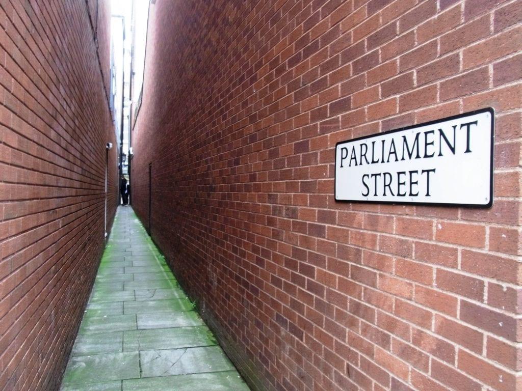 Parliament Street w Exeter, Anglia