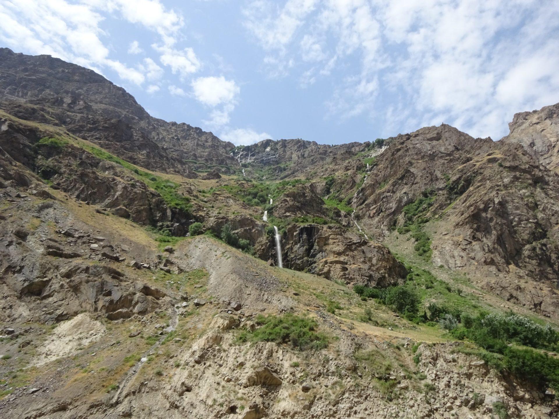 Większość trasy ciągnie się przez tereny wysokogórskie, ale roślinność potrafi rosnąć tutaj wyjątkowo bujnie. / źródło: Sławomir Dzido.