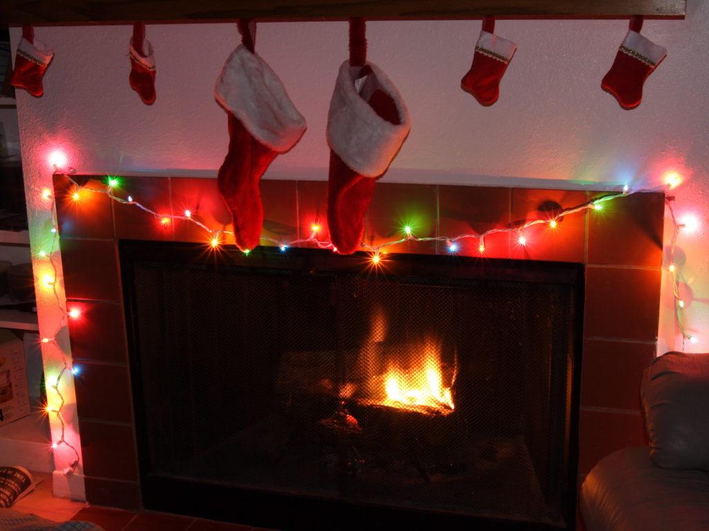 Boże Narodzenie w USA świąteczny kominek