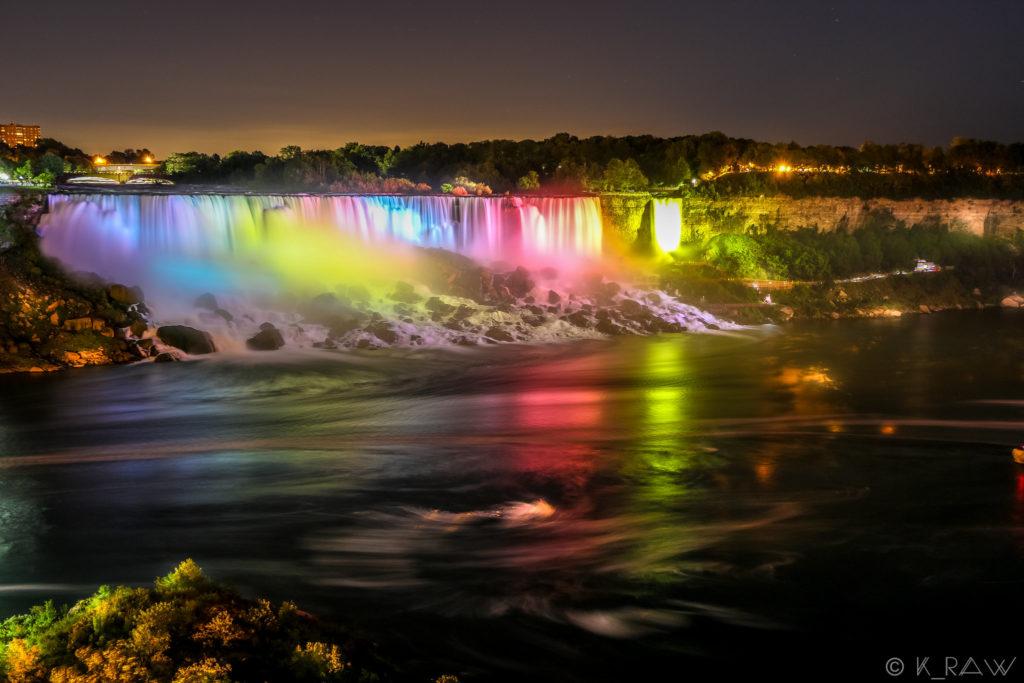 Niagara nocą